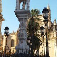 Plaza del Triunfo in Seville